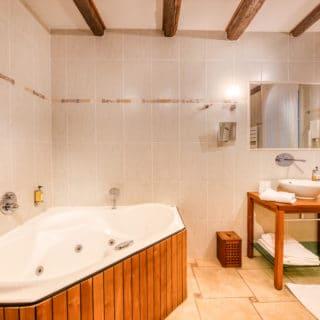 salle de bain hôtel d'Aragon Montpellierproche Palais des Congrès